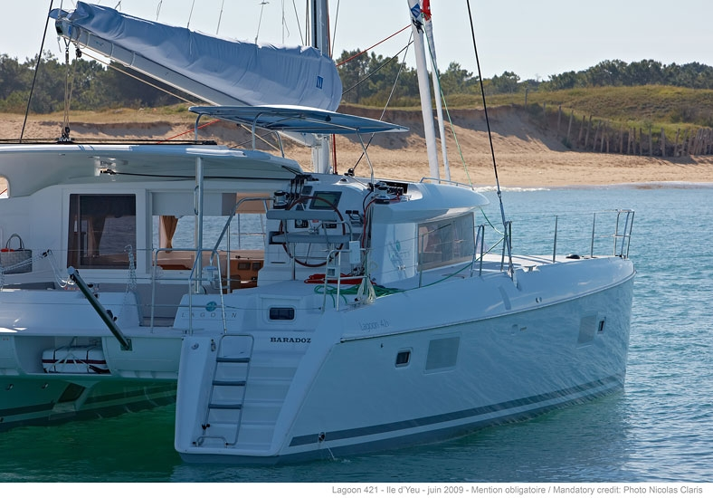 Catamaran for rent Lagoon 421