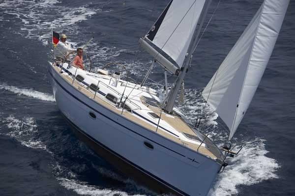 Ветроходна яхта под наем с капитан