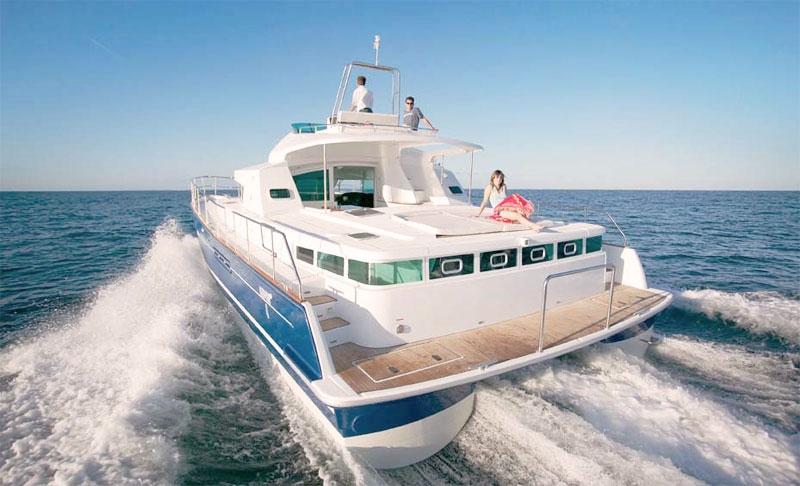 Motor catamaran for rent